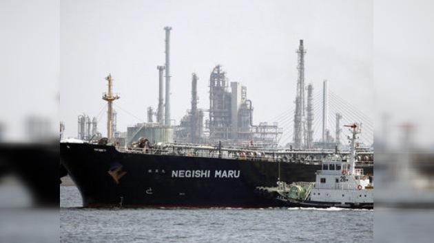 Irán agranda su flota de petroleros ante las sanciones