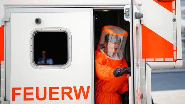 Psicosis por el ébola: atacan con una jeringa a un alto mando militar de EE.UU. en Nigeria