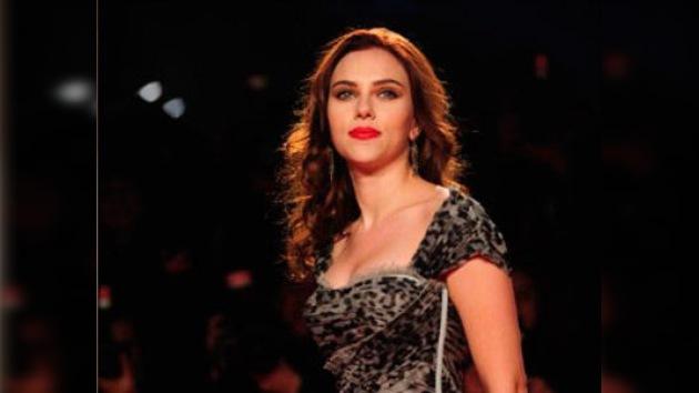 Dos supuestas fotos de Scarlett Johansson desnuda encienden la Red