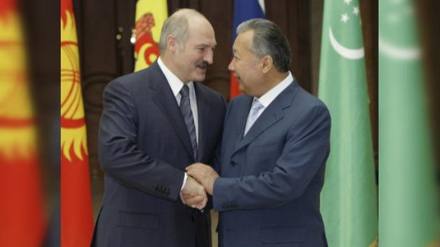 Presidente bielorruso dice que no concederá la extradición de Bakíev