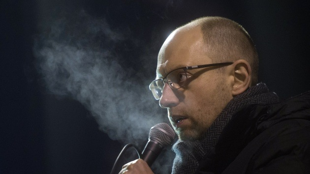 El doble rasero de Yatseniuk: apoyar a Kosovo, oponerse a Crimea