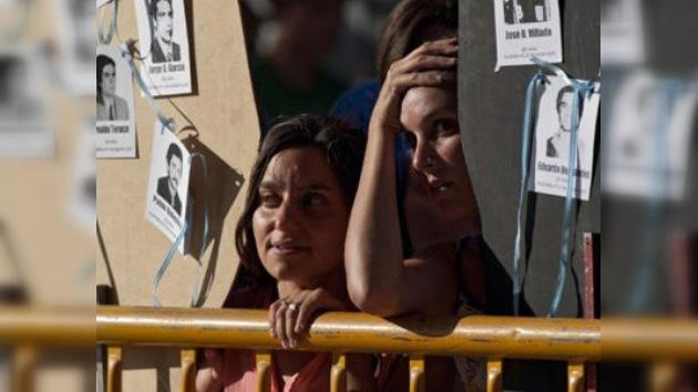 Justicia argentina condena a cadena perpetua a ocho represores de época de la dictadura