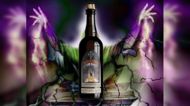 La etiqueta de cerveza con una bruja en hoguera provoca numerosas quejas