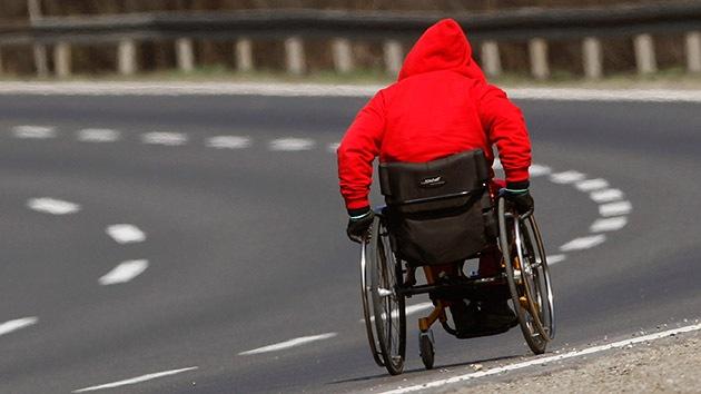 Un paralítico vuelve a caminar gracias a un trasplante de células en su médula