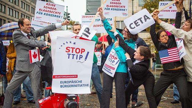 Millones de europeos firman una petición contra el Acuerdo Trasatlántico