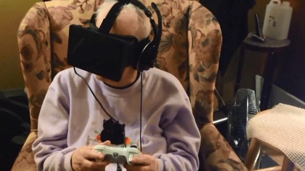 Una enferma de cáncer cumple su último deseo con unas gafas de realidad virtual