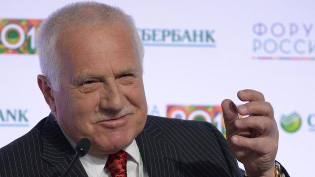 Exlíder checo: EE.UU. y la UE indujeron la actual situación trágica en Ucrania