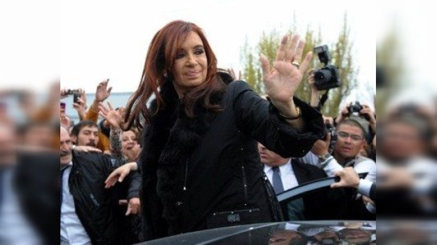 La victoria de Cristina Fernández puede ser histórica  según el sondeo oficialista