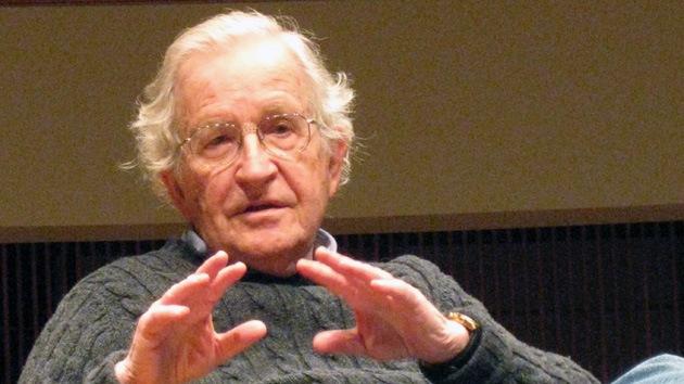 Chomsky: El Gobierno de EE.UU. es capaz de crear una catástrofe total para la humanidad