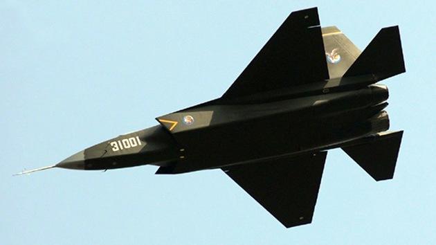 Nuevas imágenes del caza furtivo chino J-31