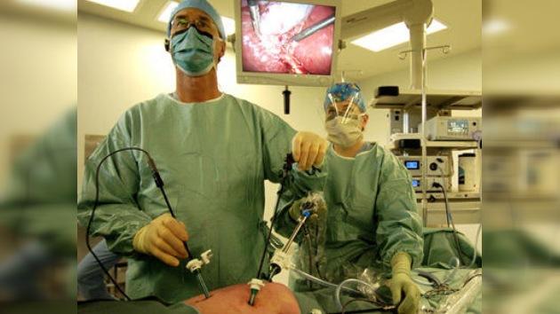 Operaciones asistidas por robots, más seguras pero también más caras