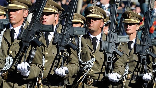 El Ejército español planea 'purgar' de radicales sus filas