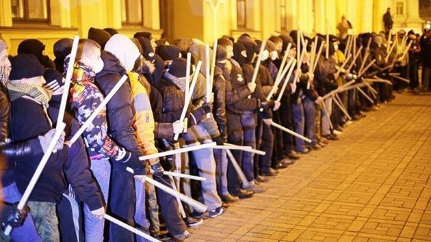 Cancillería rusa: Mercenarios armados del Sector Derecho se dirigen a Donetsk y Lugansk