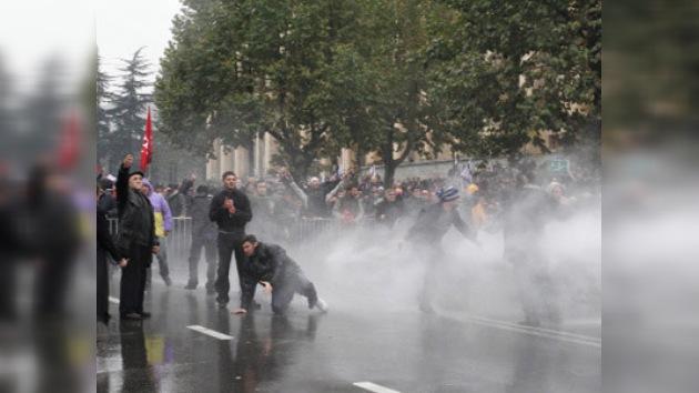 Éxodo de la oposición en Georgia: la gente no puede soportar la presión