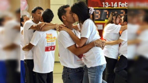 En Tailandia fue marcado el nuevo récord Guinness del beso más largo