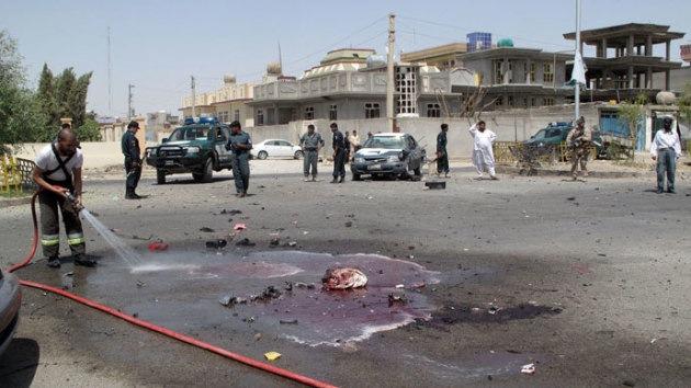 Un atentado suicida en Afganistán deja sin vida a un gobernador y varios civiles