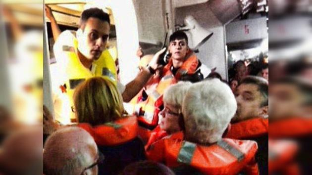 Video: tripulación del Costa Concordia ordenó que los pasajeros regresen a los camarotes