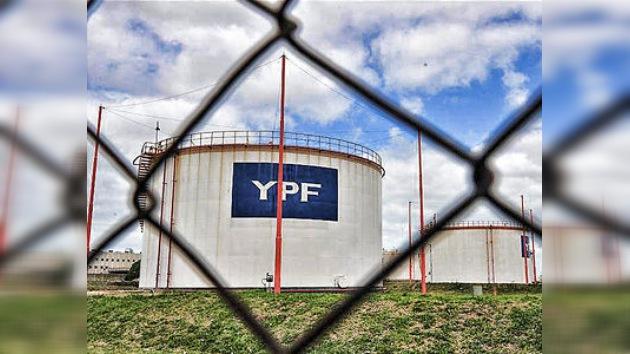 Conflicto con España por la petrolera YPF baja calificación a Argentina