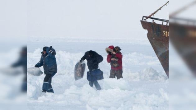 El mal tiempo dificulta el rescate de los barcos en el Mar de Ojotsk