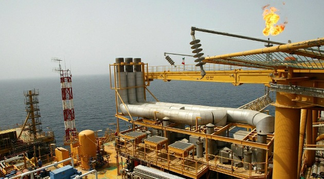 EE. UU. lo tiene 'crudo' para impedir que China compre petróleo iraní