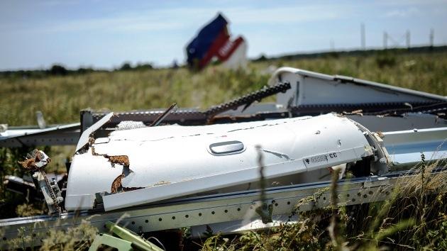 Se oyen fuertes explosiones cerca del lugar del siniestro del vuelo MH17 en Ucrania