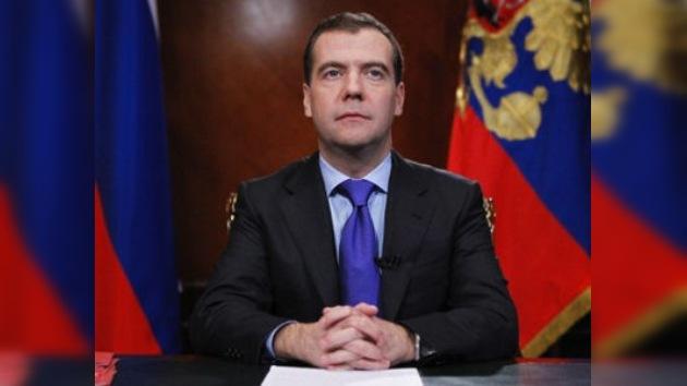 Medvédev anuncia cambios en el modelo político de Rusia