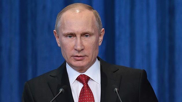 Putin: La UE somete a Ucrania a presión y chantaje tras la suspensión del acuerdo de asociación