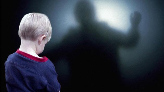Elijah, el niño que habla con sus abuelos muertos y predice abortos y nacimientos