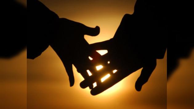 Las relaciones de pareja se definen durante la niñez y en el primer amor