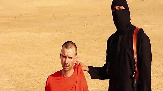La familia del inglés secuestrado contacta con el Estado Islámico para salvarlo