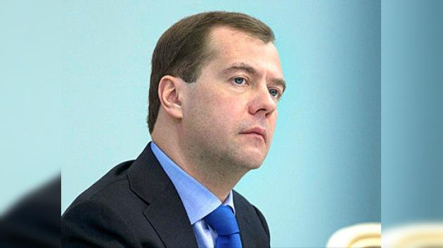 Presentan a Medvédev el primer informe oficial sobre infracciones electorales