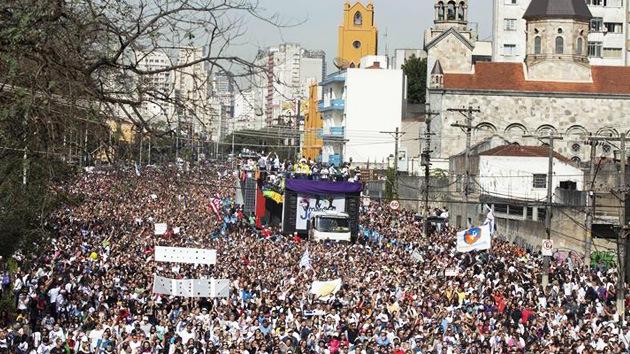 Brasil: Un 'apóstol' reunió una marcha religiosa millonaria
