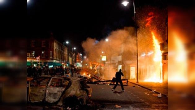 Disturbios en Londres por la muerte de un joven en un tiroteo con la policía