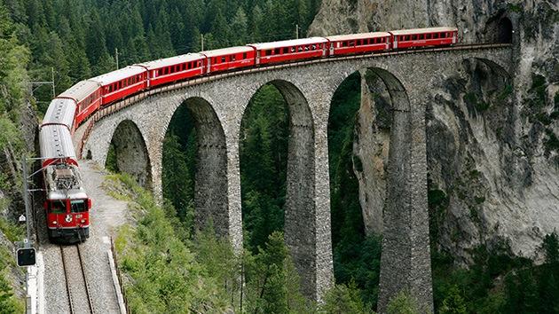 Suiza: Descarrilan 2 vagones de un tren de pasajeros