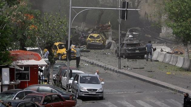 Mueren 50 soldados del Ejército sirio en un atentado cerca de Damasco
