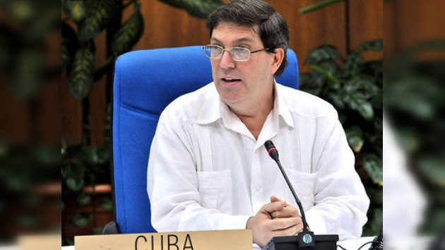 Cuba podría asistir a la VI Cumbre de las Américas si la invitan, pero no volverá a la OEA
