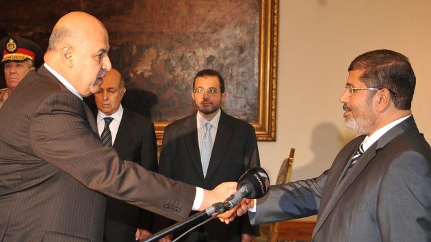 Dimite el vicepresidente egipcio, Mahmud Mekki, en plena jornada electoral