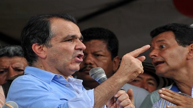 Un candidato presidencial colombiano, pillado hablando con un 'hacker' procesado