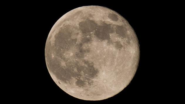 Calculan la verdadera edad de la Luna con el nuevo método de reloj geológico