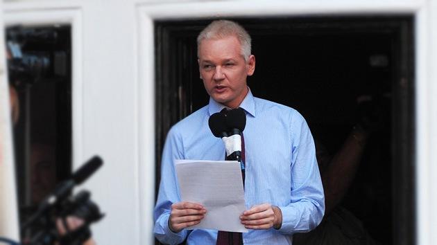 Político británico: Las denuncias contra Assange por delitos sexuales son inventadas