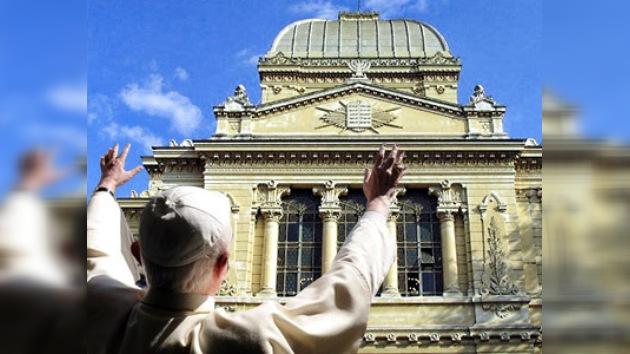 El Santo Pontífice pisará el principal templo judío de Roma