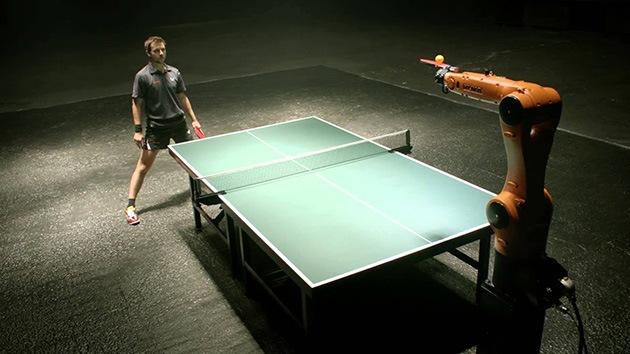 El campeón alemán Timo Boll competirá con un robot en un partido de tenis de mesa