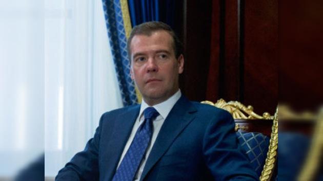 """Dmitri Medvédev: """"En el Volga ocurrió una terrible tragedia"""""""