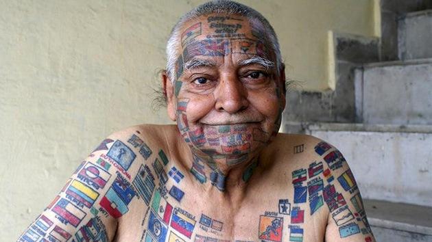 Con el mundo a flor de piel: un hombre lleva en su cuerpo más de 500 enseñas nacionales