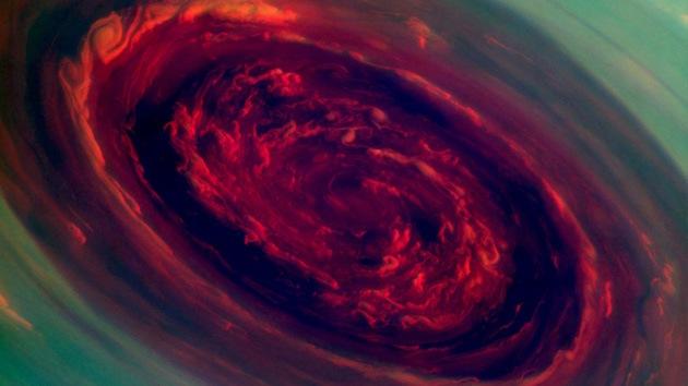 """La NASA revela el vórtice de la tormenta polar de Saturno en forma de """"rosa"""""""