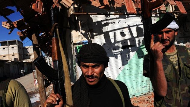 """Líder opositor sirio: """"EE.UU. no evitará nuestro castigo si ataca Siria"""""""