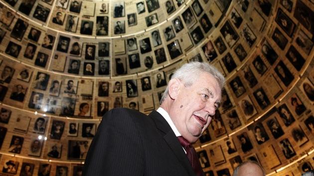 """Presidente checo: """"Ucrania debe deshacerse de los extremistas fascistas y federalizarse"""""""