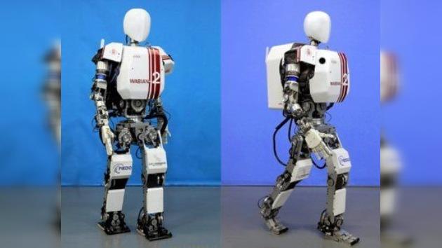 Ingenieros japoneses enseñan a robots a caminar por la Luna