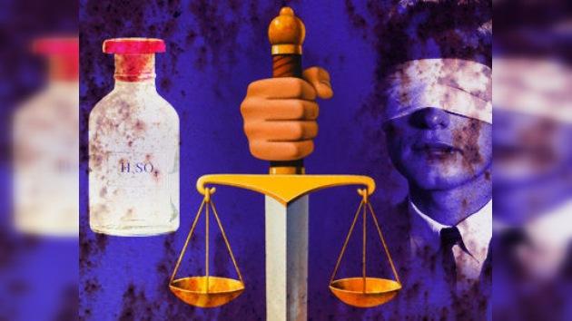 Un joven fue condenado a que le quemen los ojos con ácido en Irán