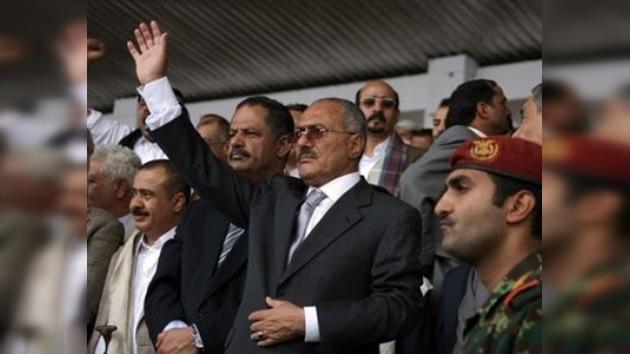 Presidente de Yemen se negó a firmar renuncia